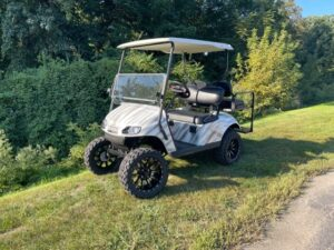 2018 EZ-GO LIFTED ELECTRIC CART